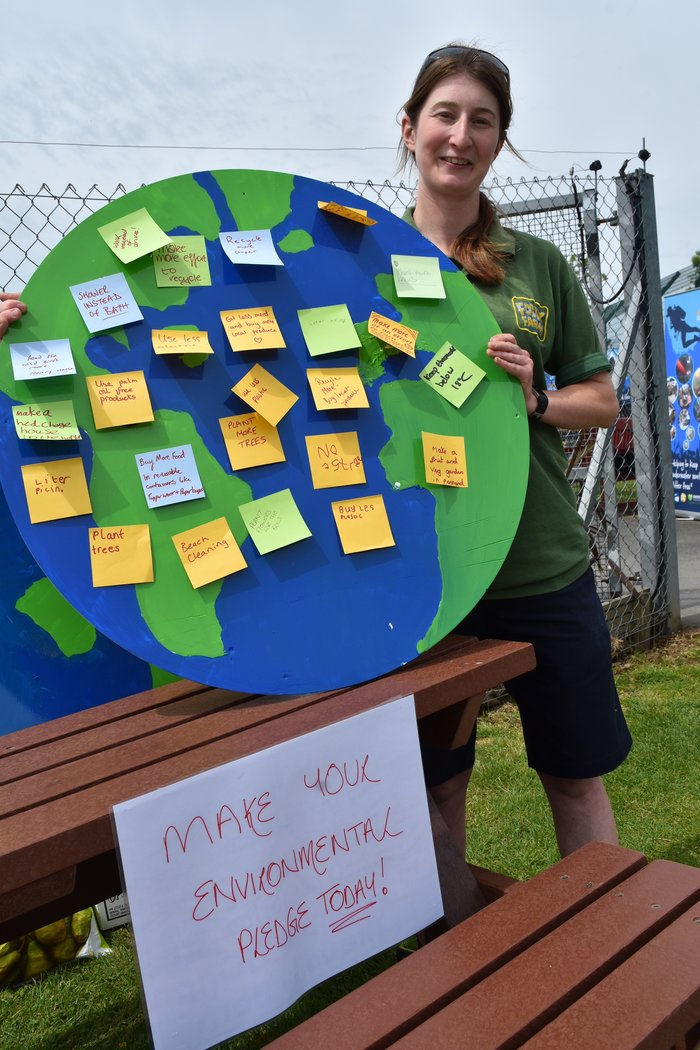Keeper with environmental pledge board