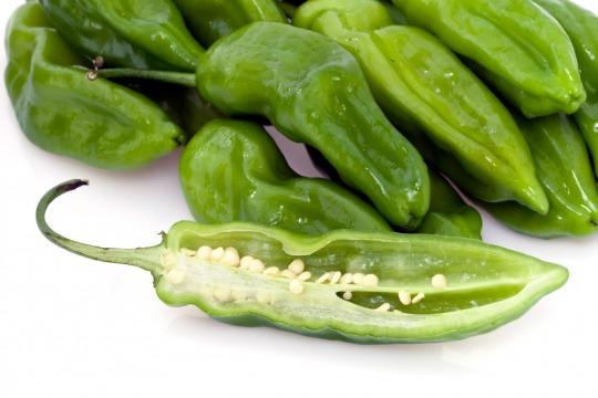 green chili pepper Kalorien-Nährwerte