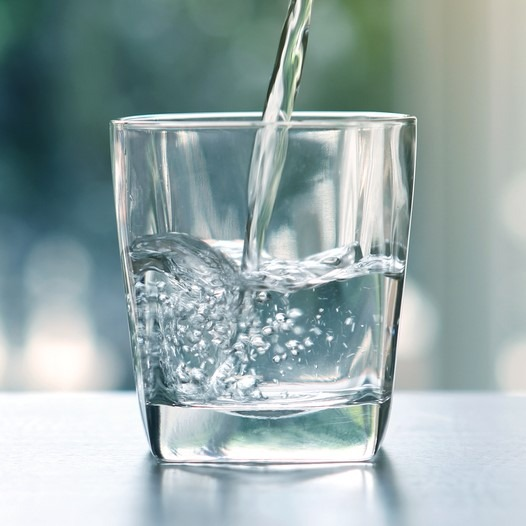 Mineralwasser (mit Kohlensäure) Kalorien-Nährwerte