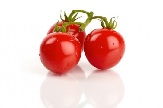 mini red tomatoes Kalorien-Nährwerte