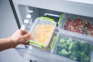 הקפידו לאחסן מזון בקופסאות אטומות לשמירה על טריות (צילום: שאטרסטוק)