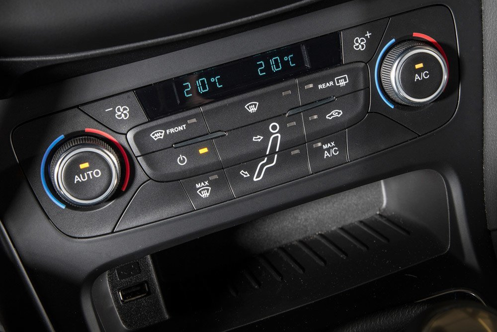 Focus Rs Dual Temperature Control About The Car
