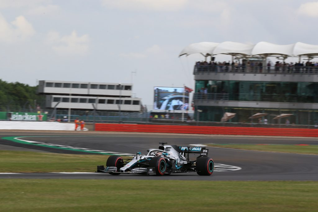 F1 - Hamilton open about grip struggles after difficult Friday