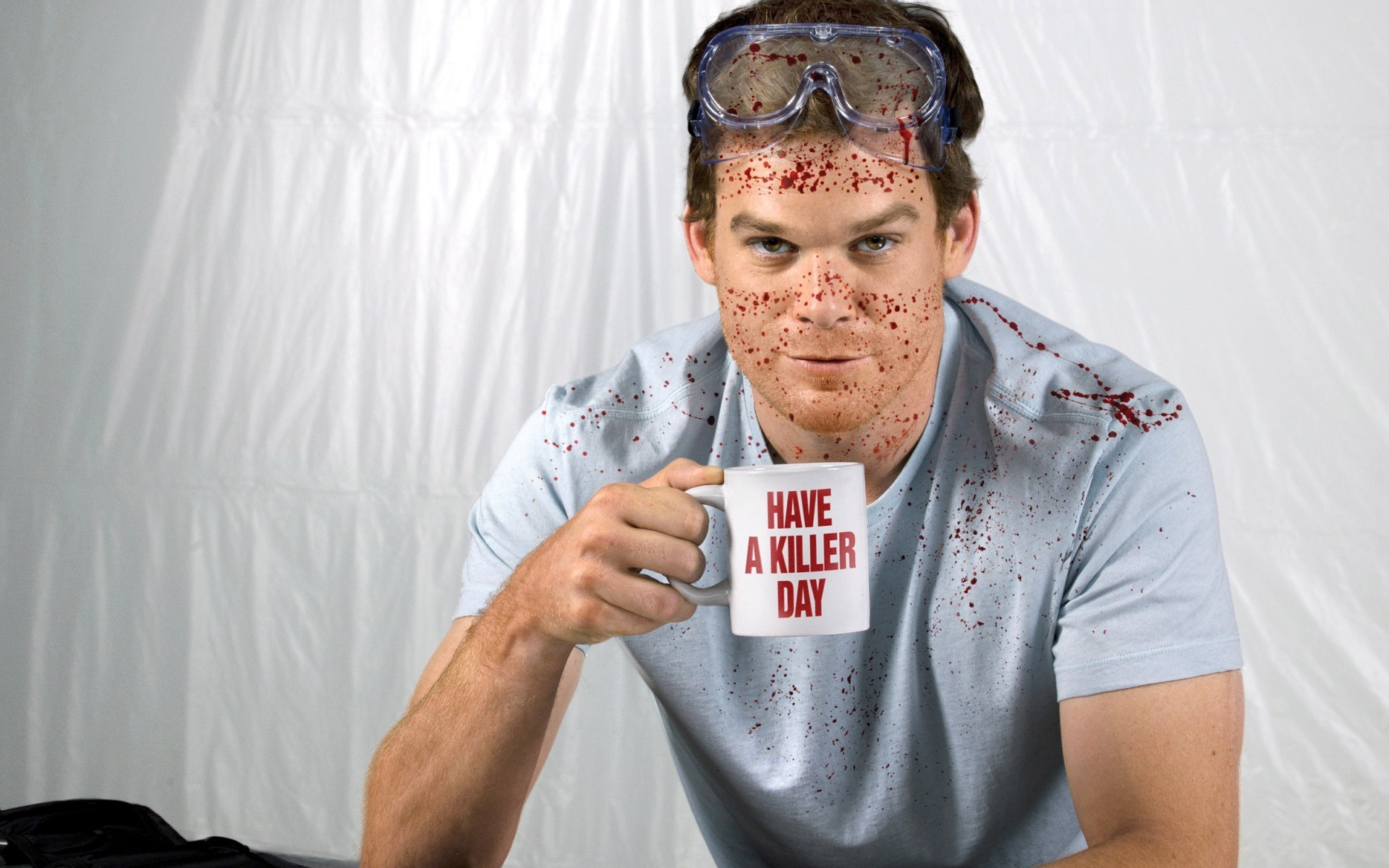 Dexter-Season-6-Dexter-Maniac-Murderer-Splashing-blood-Michael-C.-Hall.jpg