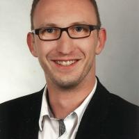 Dennis Knutti