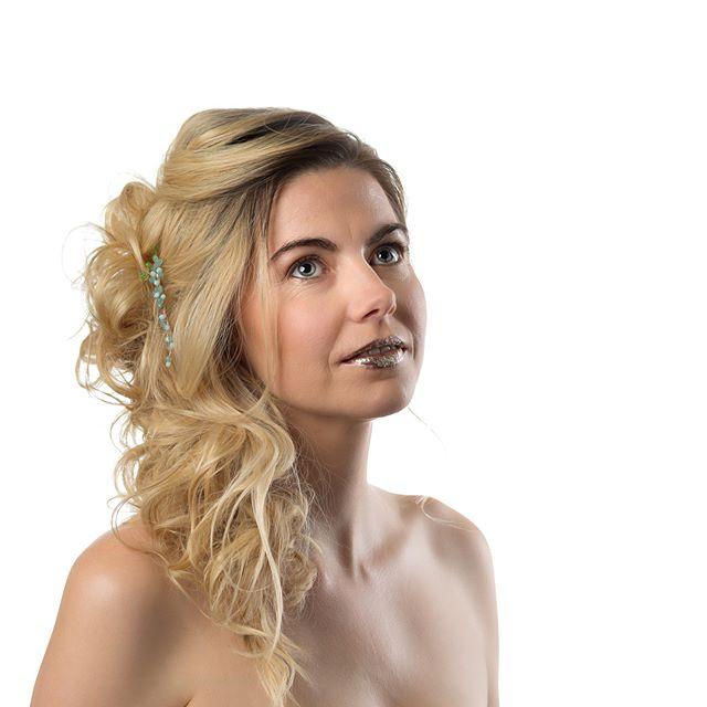 Very productive photoshoot for Wisheart Tiara Design with Innov8 Hair Studio, Victoria Bradfield Makeup artist, Samantha, Sheera, Megan and Carrie-ann @wishearttiaradesign @innov8hair @vicbradfieldmua _ @sammy05felton 3