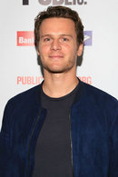 Picture of Jonathan Groff