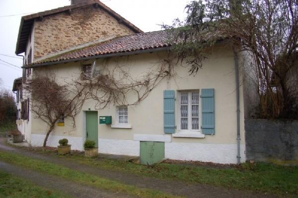jolie petite maison dans une hameau agreable. Black Bedroom Furniture Sets. Home Design Ideas