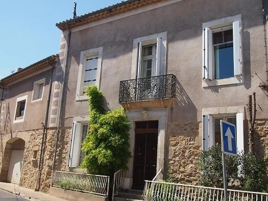 Beautiful And Spacious Maison De Maitre With 490 m2 Living Space, Garage, Courtyard And Pool.