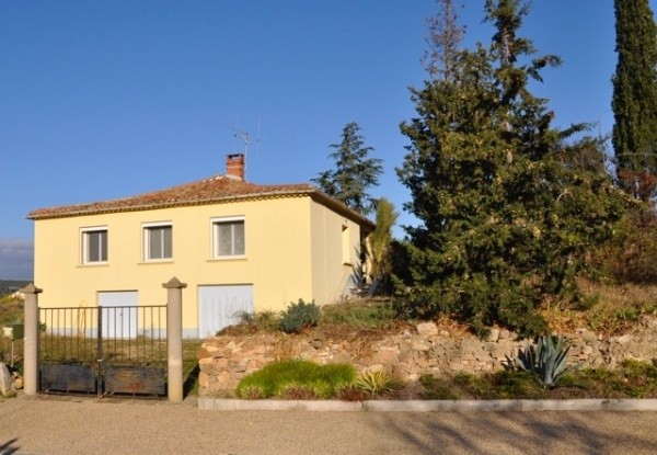 Unusual combination of 2 houses with gardens