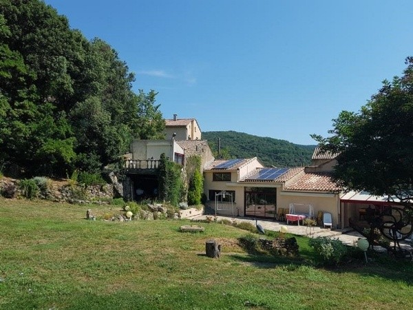 Charming House With 240 m2 Of Living Space, Apartment And Annexes On 12 Ha And Stunning Views.