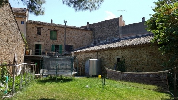 Wine Farm With 2 Houses, Garden, Wine Caves, All New Material And 2.24 Hectares.