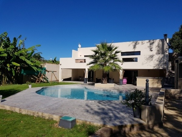 Contemporary Villa With 152 m2 Plus Basement Of 150 m2 And Garage On 994 m2 With Pool.