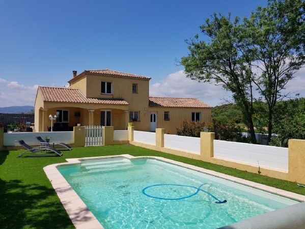 Large Traditional Villa With 140 m2 Living Space On 1200 m2 With Pool And Views.