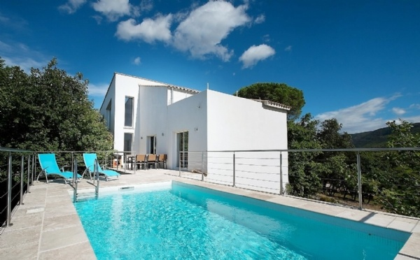 Contemporary Villa With 168 m2 Of Living Space On 1194 m2 With Pool And Stunning Views.