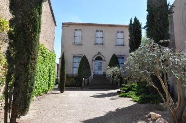 Beautiful Maison De Maitre With 265 m2 Of Living Space, 6 Bedrooms, On 1596 m2 With Pool