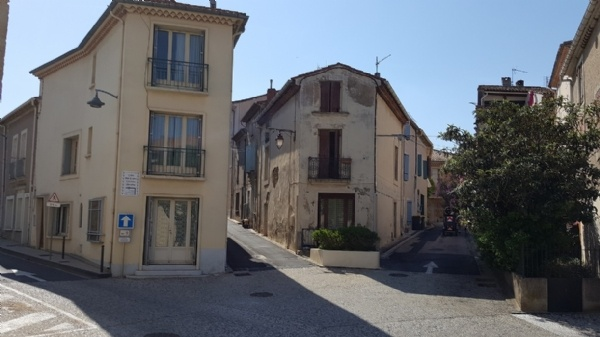 Village House With 120 m2 Of Living Space In The Heart Of The Village Just 5 Min From The Beach