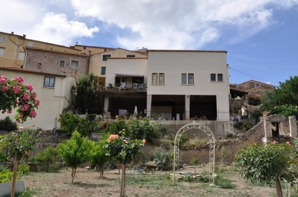 Charming Village House With Terraces, Vues And Garden, Near The River. Rare !