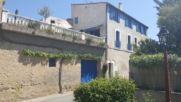 Village House With 120 m2 Of Living Space, Terrace Of 50 m2 With Views And 2 Garages.