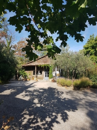 Wooden House With 120 M Of Living Space And 130 m2 To Convert, On 4500 m2 Partly Constructible.