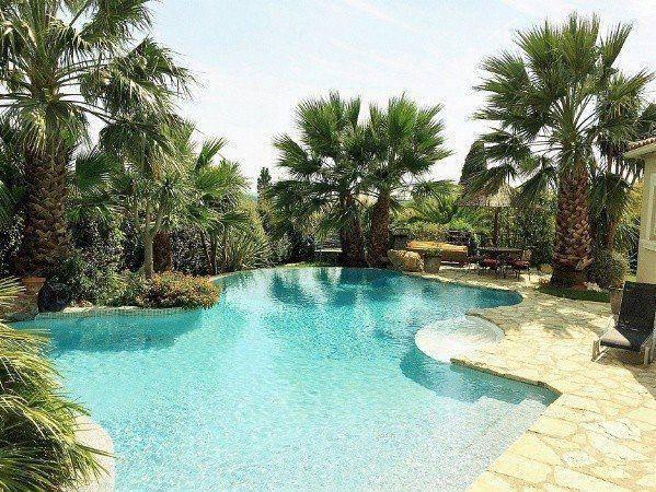 Stunning 3 bed villa with unique infinity pool, sauna and hot tub!