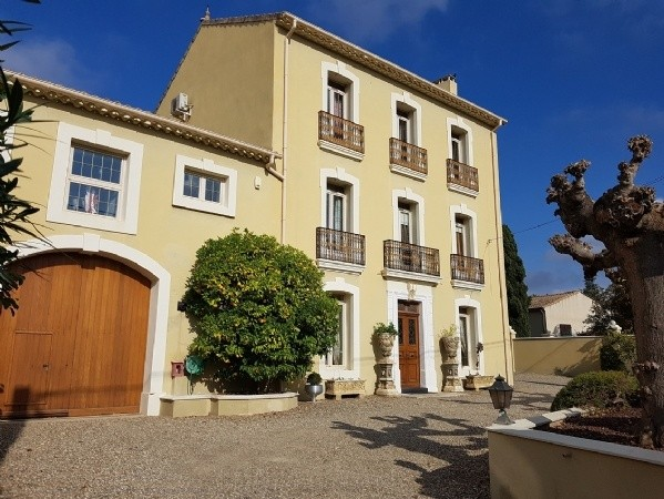 Unique and elegant maison de Maitre, fully renovated