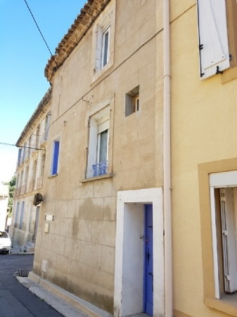 Village House With 40 m2 Living Space In Very Good Condition, 2 Bedrooms And A Garage.