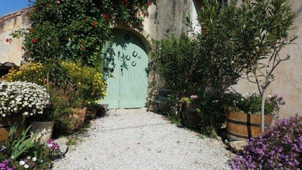 Very Nice Stone Village House With Courtyard, Near Pezenas.