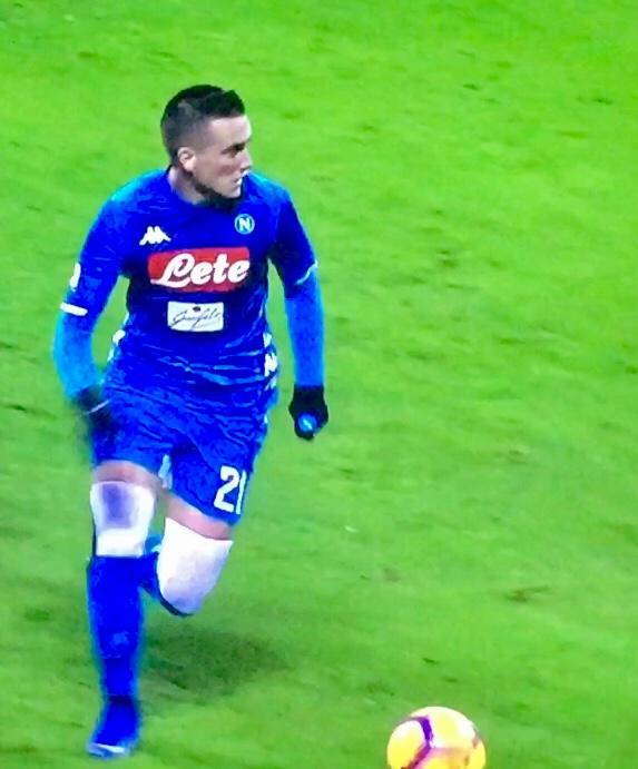 Zielinski In Milan Napoli 2018 19 3