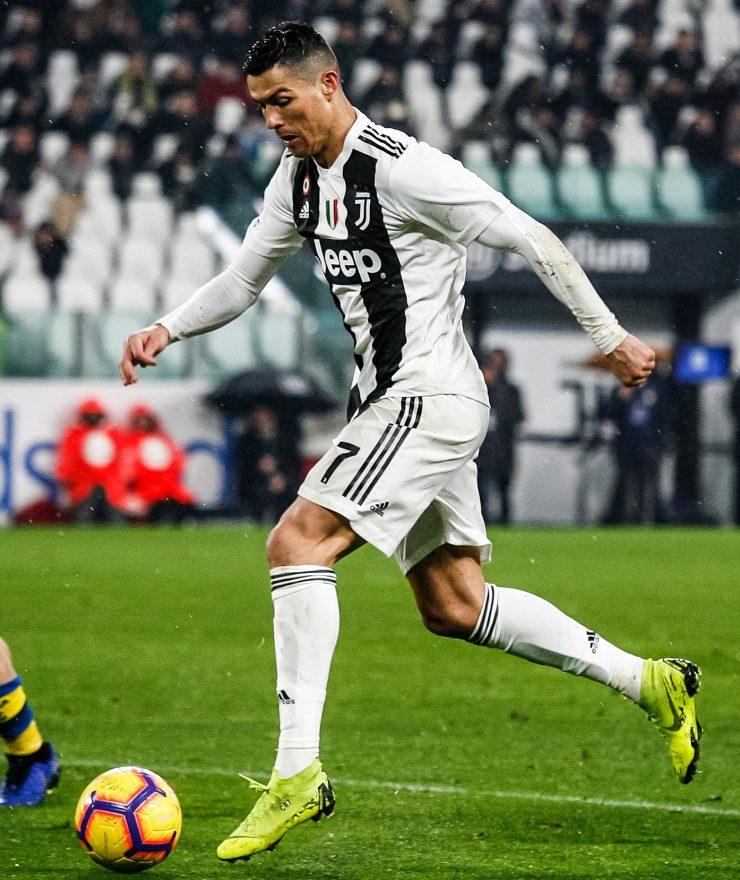 Gara Di Seria A Tra Juventus E Parma Allo Allo Juventus Stadium Di Torino. Cristiano Ronaldo CR7 Della Juventus In Azione 1