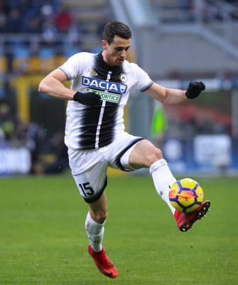 Gara Di Seria A Tra Inter E Udinese Allo Stadio San Siro Di Milano. Kevin Lasagna E Miranda J. In Azione 1