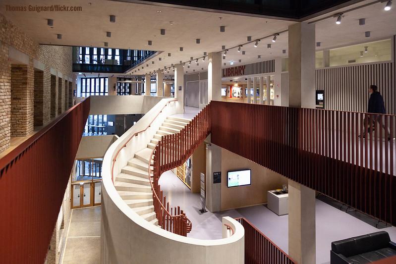 Central European Unversityn kirjasto Budapestissa