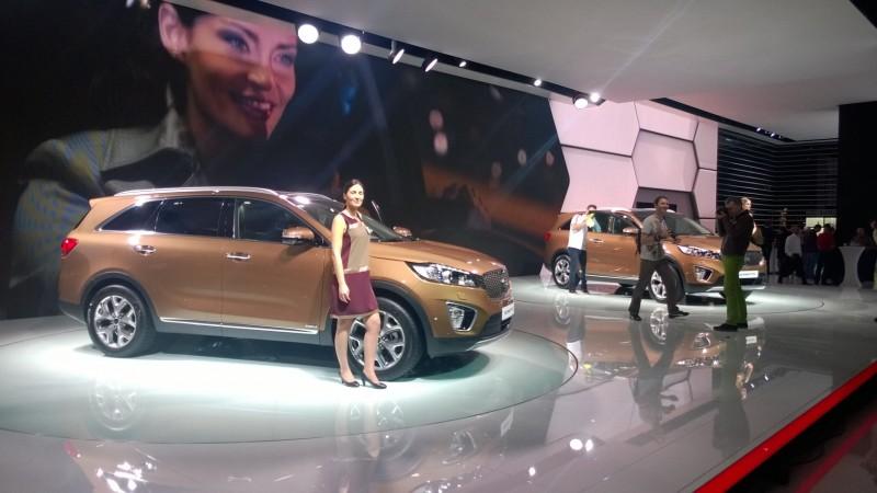 Uusi Kia Sorento Pariisin autonäyttelyssä
