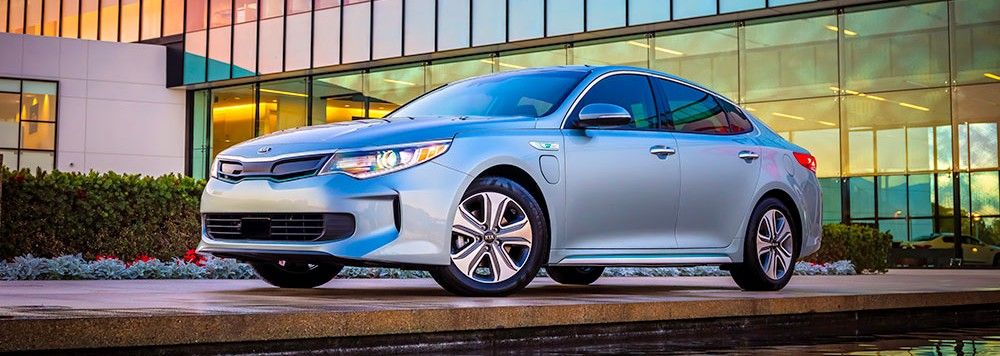Uusi Kia Optima Plug-in Hybrid