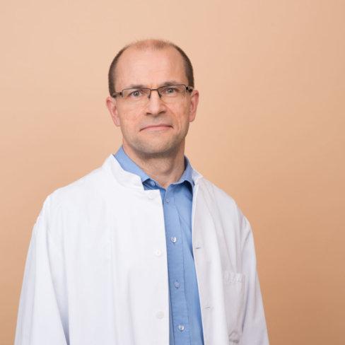 Lääkehoidon ylilääkäri Tuomo Alanko. Chief Physician, Tuomo Alanko.