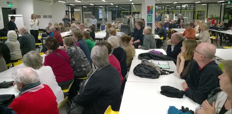 Varsinaisessa tilaisuudessa marraskuun alussa oli 130 innokasta keskustelijaa. Kuva: Taika Tuunanen