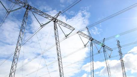 Sähkönsiirtomaksuille korotuskatto