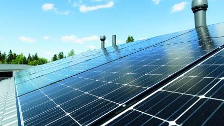 Aurinkovoima on kannattava energiantuotannon vaihtoehto myös taloyhtiöissä