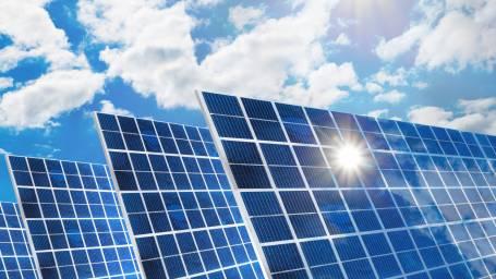 Askelmerkit aurinkovoimalan hankintaan