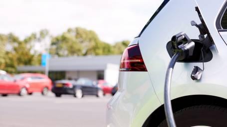 Sähköautojen latauspisteen mitoitus hoituu helposti ja nopeasti