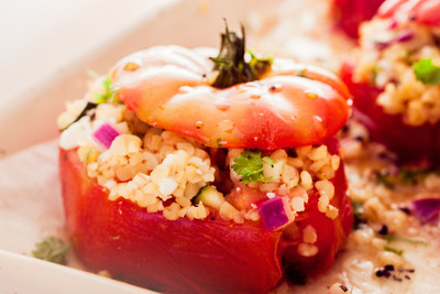 Couscous-Tomate mit gegrillter Zucchini