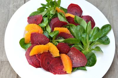 Rote-Bete-Feldsalat mit Bohnen (vgn)