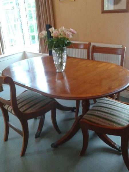 Reproduction Yew Dining Table And Chairs In Newhaven