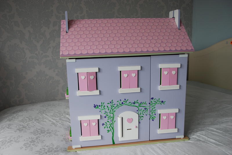 Le Toy Van Lavender U0026 Pink Wooden Dolls House U0026 Furniture In East Grinstead    Expired | Friday Ad