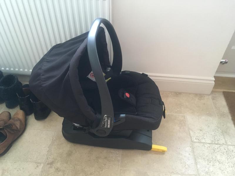 Mamas & Papas Primo Viaggio group 0+ car seat & Isofix base in ...