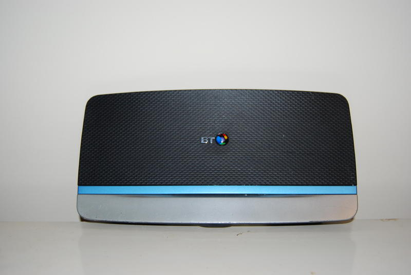 BT home hub 5 wireless wifi router in Pulborough | Friday-Ad