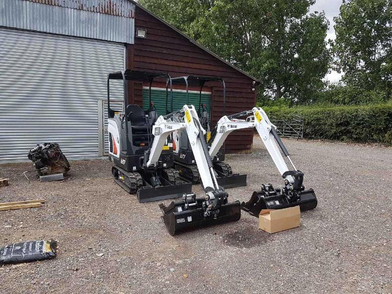 Digger hire service in sussex 1 7 Ton excavators