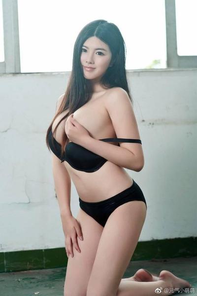 Black nude women models