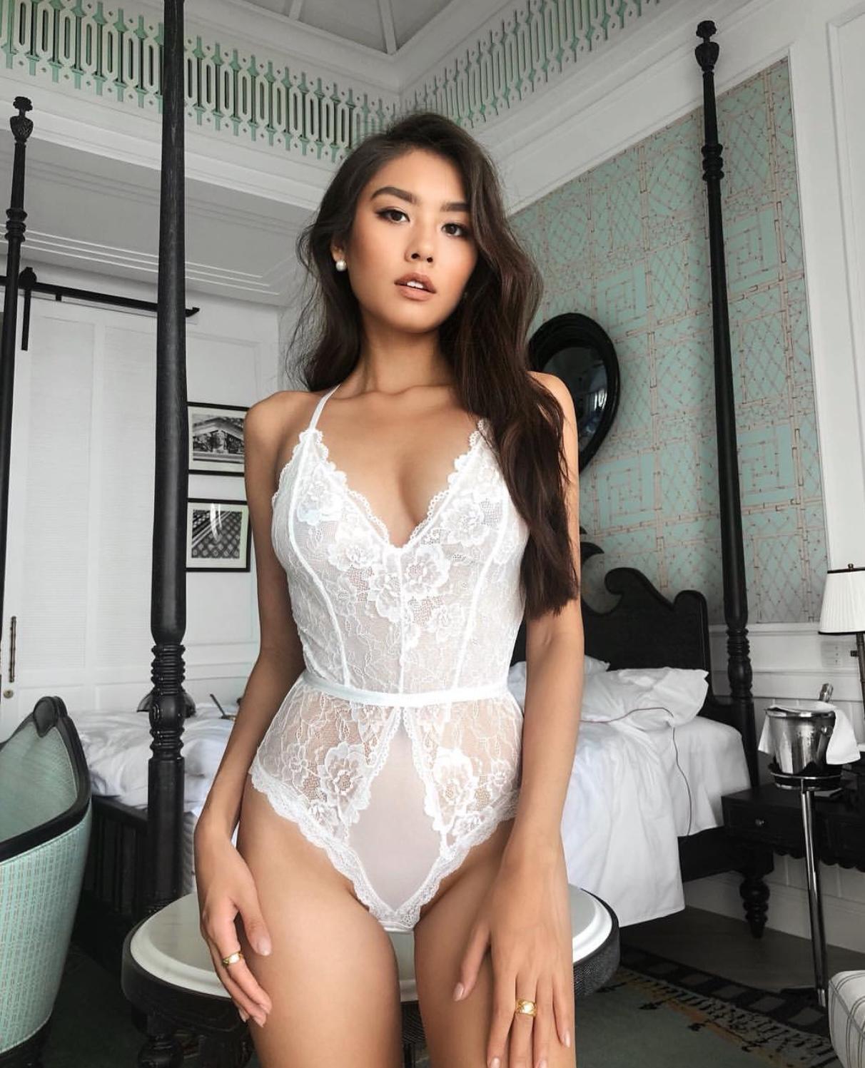 Asian ladyboy escorts uk