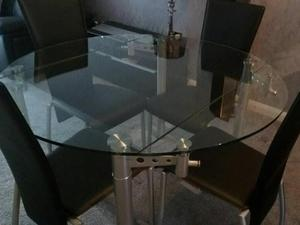 Extending Glass Table 4 Chairs In Halifax